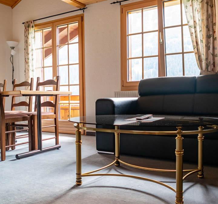 Gießerei Klein Hinterzimmer Couch Backed up